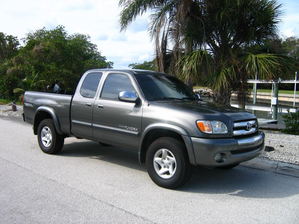 Showcase cover image for slomoe's 2003 Toyota tundra