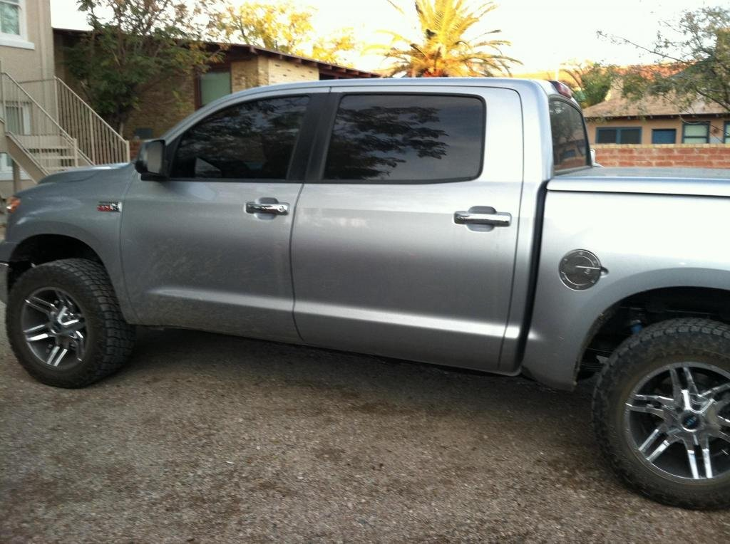 Showcase cover image for Toyota Tundra Crewmax 4x4