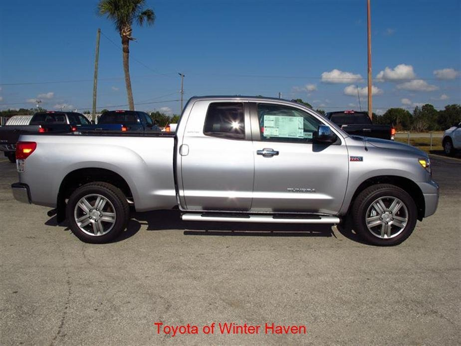 Showcase cover image for TravisJB's 2012 Toyota Tundra